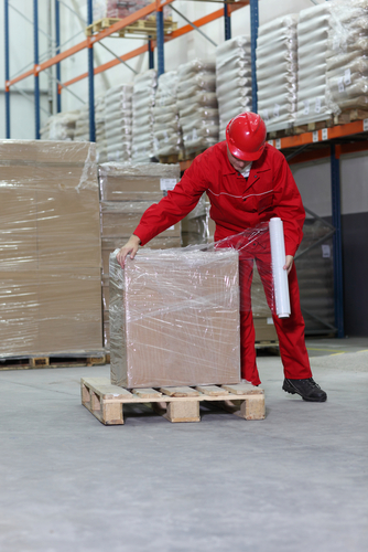 Warehouse-worker-assessing-Gaylord-box