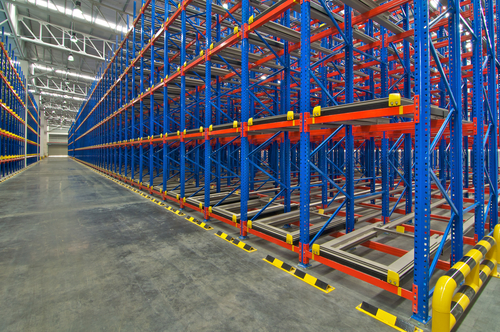 empty-stacking-racks-in-warehouse