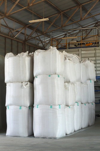 super-sack-bags-stacked-vertically-in-warehouse