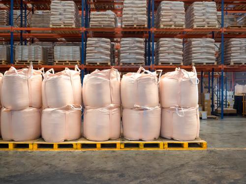 stacking bulk cargo in jumbo bags